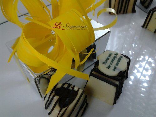 La Signorina Chocolate Wedding Favour